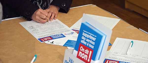 30 000 Val-de-Marnaises et Val-de-Marnais disent non à la suppression des services publics départementaux!