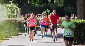 La Cavale l'haÿssienne est de retour! Dimanche 24 juin à L'Haÿ-les-Roses, parcourez de 1,4 à 10 km en passant par le magnifique parc de la Roseraie.