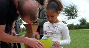 Dimanche 30 septembre le parc des Lilas devient le théâtre d'émotions autour de nombreux spectacles pour les 3-8 ans.
