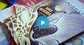 """Comment initier les enfants au spectacle vivant? La crèche d'Orly a proposé une animation musicale créée à partir du livre de naissance 2018 """"Doux rêveurs""""."""