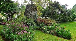 Saviez-vous qu'il existe des menhirs dans le Val-de-Marne? Rendez-vous à Villeneuve-le-Roi.