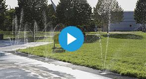 En cet épisode de canicule, profitez de la fraîcheur, des jeux d'eau, fontaines et brumisateurs dans les parcs et espaces verts départementaux.