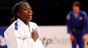 Grâce à son 4e titre de championne du monde, Clarisse Agbegnenou devient la judokate française la plus médaillée de l'histoire.