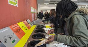 Vous souhaitez en savoir plus sur les actions menées dans les collèges pour réduire le gaspillage alimentaire? Venez vous informer, débattre et échanger le mardi 28 novembre au collège Jules-Vallès à Choisy-le-Roi, dès 18h30.